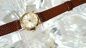 VINTAGE Timex Gold Tone 17 jewel Petite Handwind Womens Watch