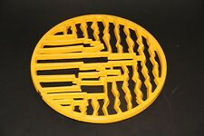 ancien dessous de plat fonte émaillée jaune