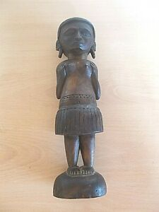 """An Old Wooden Figure Of A Lady From Papua New Guinea -stands Approx 11"""" Tall"""