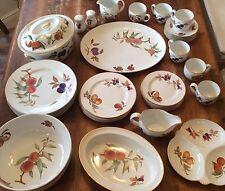 Royal Worcester Fine Porcelain Evesham 1961 -  40 Piece Lot