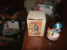 D C COMICS INC.1978 THE PENGUIN on base. plays the song RAINDROPS Excellent cond