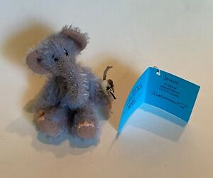 """DEB CANHAM  """"ISAAC"""" 3"""" GREY MOHAIR ELEPHANT HOLDING TINY MOUSE- JOINTED- SPECIAL"""