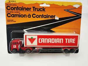 CAMION a CONTAINER TRUCK CANADIAN TIRE SCAMMEL WT 707 HONG KONG