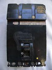 SQUARE D 30 Amp TRIPLE POLE mccb 480V fa36030 danni estetici
