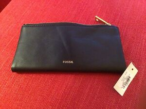 fossil leather purse Cost Price $74 purchased In USA