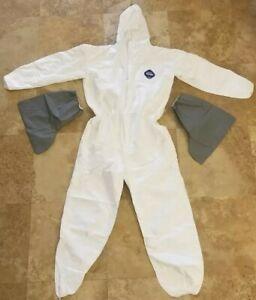 DuPont Tyvek PPE Sz 2XL/XXL Protective Hazmat Suit Coveralls Hood Booties Zipper