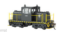 HO SCALE US ARMY GE 45 TON  DCC SWITCHER  BACHMANN   US ARMY LOCO GE 45 TON  DCC
