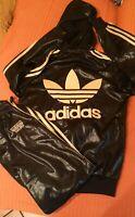 Tuta Adidas chile 62 con cappuccio BLACK AND GOLD BELLISSIMA