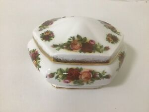 Royal Albert OLD COUNTRY ROSE 6 Sided Trinket Box / England / Mint Condition