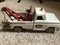 Vintage 1960's TONKA Ford AA White Wrecker Tow Truck