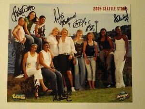 205 Seattle Storm T.E.A.M. Foundation - autographed 8x10 photo (all 11 players!)