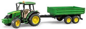 BRU2108 - Tractor JOHN DEERE 5115 M Con Remolque Basculante 2 Ejes Juguete Br