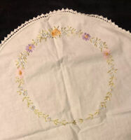Vintage Embroidered Linen Tablecloth Scalloped Floral Parlor Table 41""