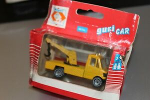 1:64 Mercedes 207 Towning Truck by Poliguri. Vintage rare Made in Portugal.