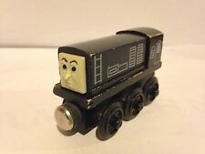 Thomas Train 1992-93 Wooden DIESEL ENGINE FLAT MAGNETS STAPLES RARE Retired VHTF