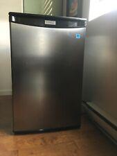 refrigerator danby model DAR044A4BSLDD