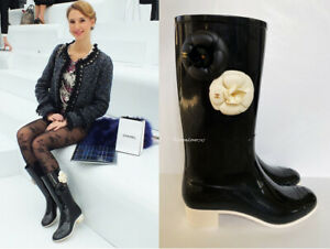 NEW CHANEL BLACK IVORY CAMELLIA FLOWER CC GOLD LOGO RAIN BOOTS 38