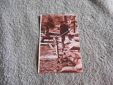 VINTAGE  POST CARD - SPEARING STURGEON IN THE LOWER DELLS
