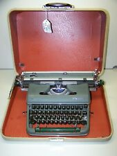 Antique 1960 Olympia Green SM4 DeLuxe Wide Carriage Vintage Typewriter 1542696