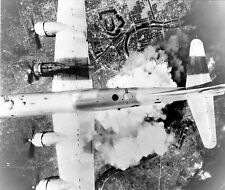 """WWII Photo """"Killer of cities"""" bomber B-29 at work World War/ 349"""