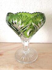 Val St Lambert, coupe sur pied en cristal taillée et doublée vert de chine