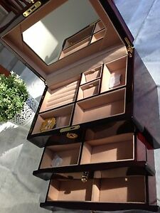 large stunning wooden jewellery box -red 015