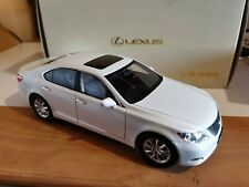 Norev 1:18 Lexus LS 460 White - Ref.188103  PLEASE READ SHIPPING COSTS INFO