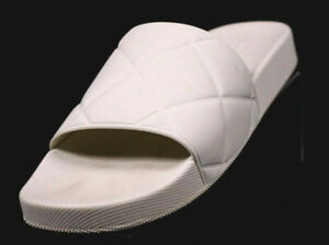 BOTTEGA VENETA $390 Cream Rubber Quilt Embossed Flat POOL Slides 39