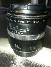 Canon EF 50mm 2.5 compact macro