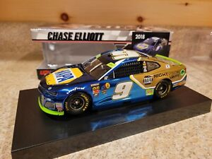 NASCAR 2018 CHASE ELLIOTT NAPA NIGHT VISION COLOR CHROME 1/24 READ DESCRIPTION
