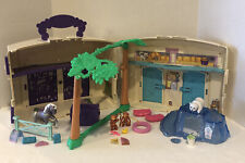 VINTAGE LITTLEST PET SHOP KENNER 1993  PETTING ZOO BARN