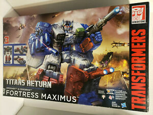Hasbro Transformers Generations Titans Return Fortress Maximus New in sealed box