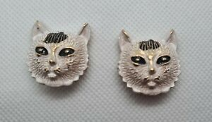 🐱100% Auth 2 pc Dolce & Gabbana CAT decor 🐱 Replacement side shrank Buttons