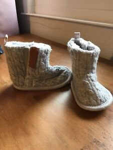 Primark Baby Boots Girl Grey Knitted Booties 3-6 Months