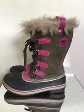 Sorel Women's Joan Of Arctic Olive Green Fuchsia Boots Sz 6 Faux Fur
