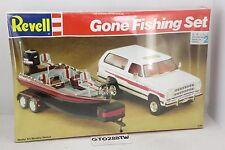Revell 1/25 scale GONE FISHING SET -1991 Dodge Ramcharger Truck/Trailer/Boat kit
