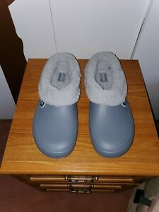 Fur lined Croc Outdoor clog. Brand New never worn Size 13