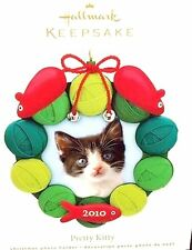HALLMARK 2010 Pretty Kitty Cat Photo Holder Ornament Yarn and Mice NEW IN BOX