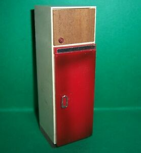 VINTAGE 1970's LUNDBY DOLLS HOUSE RED TILE KITCHEN FRIDGE