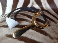 CATAPULT. SOLID BRASS HORSESHOE DESIGN COMPLETE WITH ELASTIC AND SLING