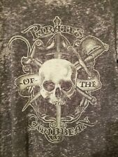 Disney Parks Mens Pirates Of The Caribbean Graphic T-Shirt Size Small Gray