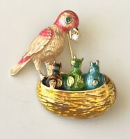 Bird  fedding babies in the nest brooch in enamel on gold Tone Metal