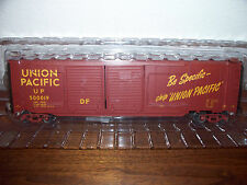 LIONEL TRAIN #81114 UNION PACIFIC DOUBLE-DOOR BOX CAR WITH END DOORS