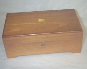 Reuge 4/50 Four Tune Music Box