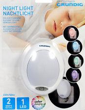 Grundig LED Nachtlicht mit Farbwechsel Lichtsensor 230V - Ovales Design