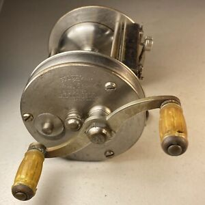 Early Pflueger Supreme Level Wind Fishing Reel - See Details - Rare - Nice Reel