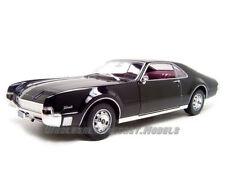 1966 OLDSMOBILE TORONADO BLACK 1:18 DIECAST MODEL CAR BY ROAD SIGNATURE 92718