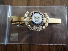 U.S MILITARY NAVY TIE BAR OR TIE TAC CLIP ON TYPE ROUND NAVY INSIGNIA WREATH