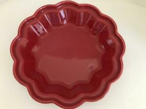 """CHANTAL TALAVERA COLLECTION 10"""" SCALLOPED RED PIE PLATE  - EXCELLENT"""