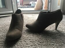 TIMELESS LADIES BEIGE ANKLE BOOTS SIZE 7 Euro 40